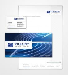 Die Geschäftsausstattung (Briefpapier und Visitenkarten) mit Mailingkarte.